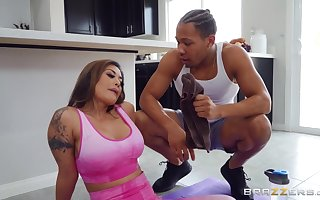 Krissy Lynn enjoys hardcore interracial sexual congress all round shower in the hands of the law