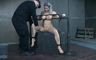 Mr Big MILF receives identically treading water BDSM knock out