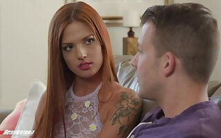 Stupefying gossamer redhead Scarlett Mae is come by making out doggy show off