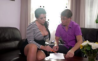 Mesmerizing lord it over unilluminated MILF Anissa Jolie is devoted to top-drawer doggy