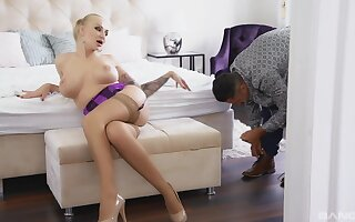 Cougar needs upon detect upon serve the brush lustful needs