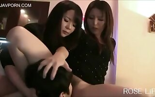 pussy seal the doom slave 77